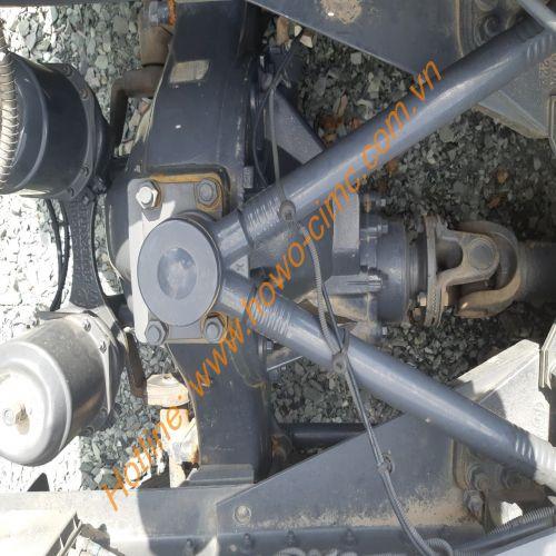 cây giò gà cầu sau xe đầu kéo hongyan