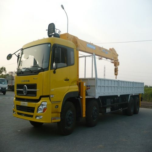 xe dongfeng gắn cẩu soosan
